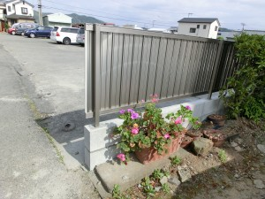 境界塀の傾き改修工事 LIXIL セレビューR6型フェンス 和歌山市 6