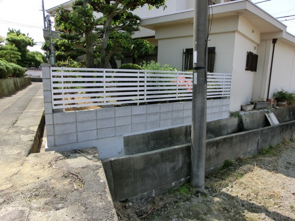 塀の傾き改修工事 境界コンクリートブロック積み 岩出市 4
