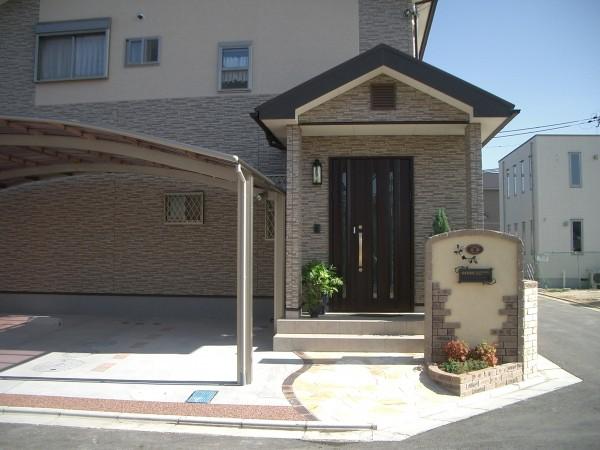 門柱のアイアンの飾りがおしゃれなオープン外構 Before・After1