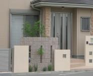 塗り仕上げの塀の高さを変えてリズム感を出しています。 和歌山市