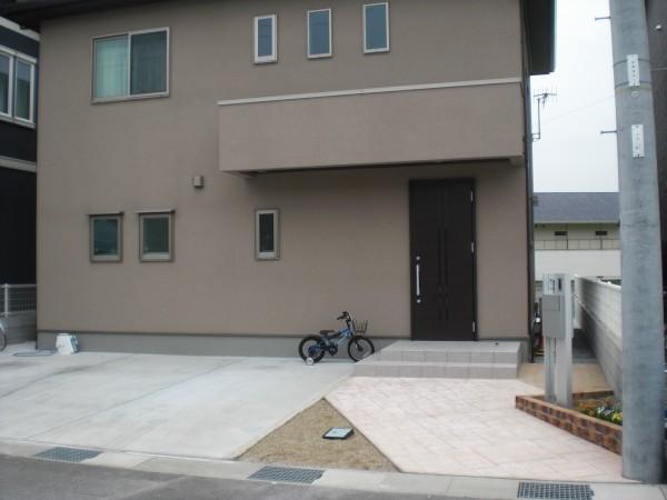 オープン外構 スタンプコンクリートのアプローチ 岩出市1