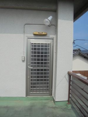 勝手口ドア交換 LIXIL 彩風ドア リシェントA型 和歌山市3