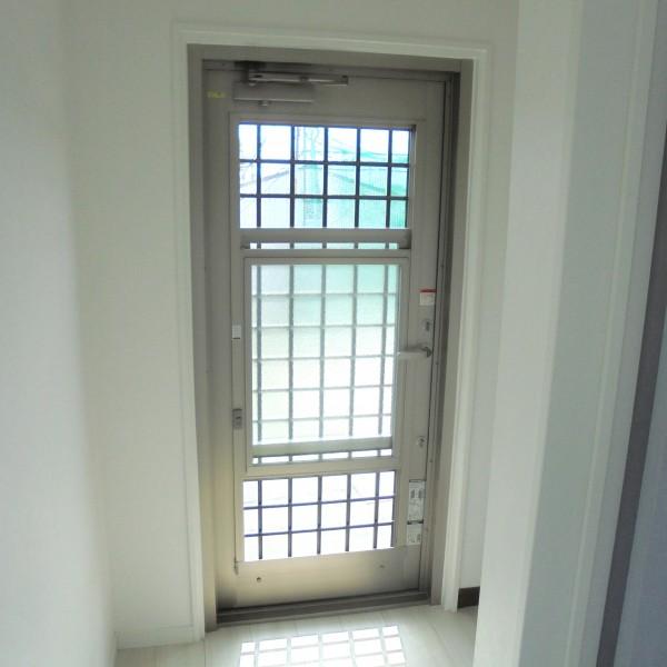 勝手口ドア交換 LIXIL 彩風ドア リシェントA型 和歌山市1
