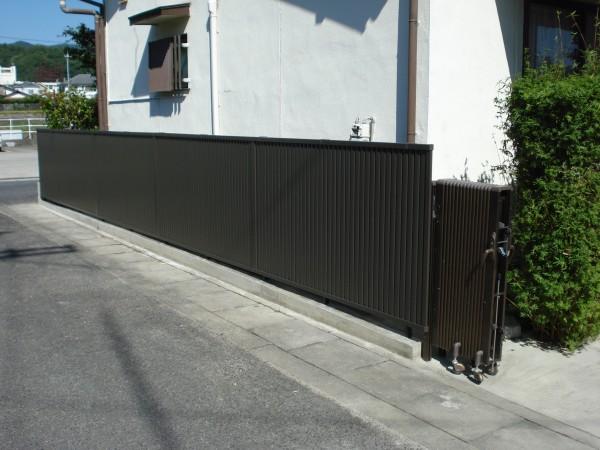 ブロック塀をフェンスに交換 軽量化 岩出市1