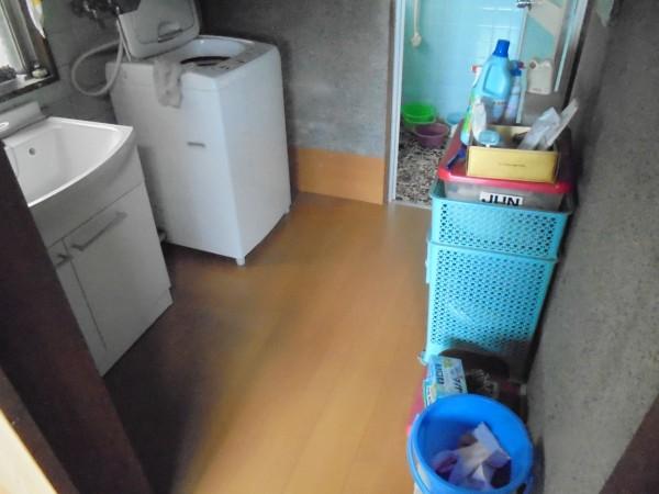 洗面所 床 リフォーム工事 紀の川市4
