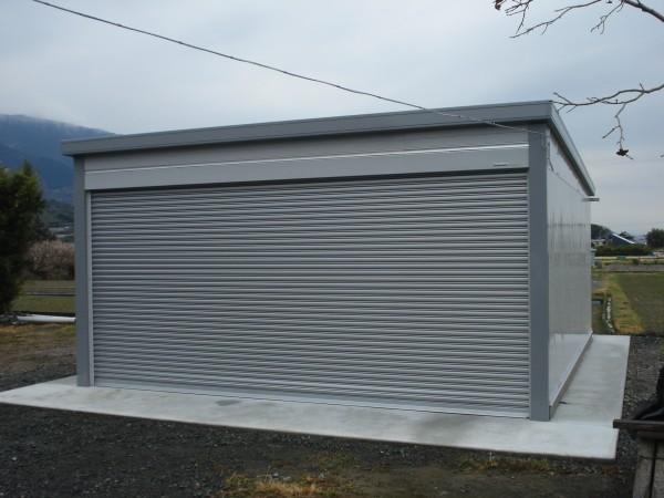 中間柱のないタイプのガレージ イナバ電動タイプ 紀の川市1