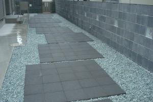 透水性床材300角 スーパーテラTRM TOYO 透水管を敷設 2