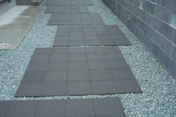 透水性床材300角 スーパーテラTRM TOYO 透水管を敷設 1