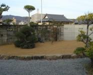 新築のため潰してしまった裏庭の改修