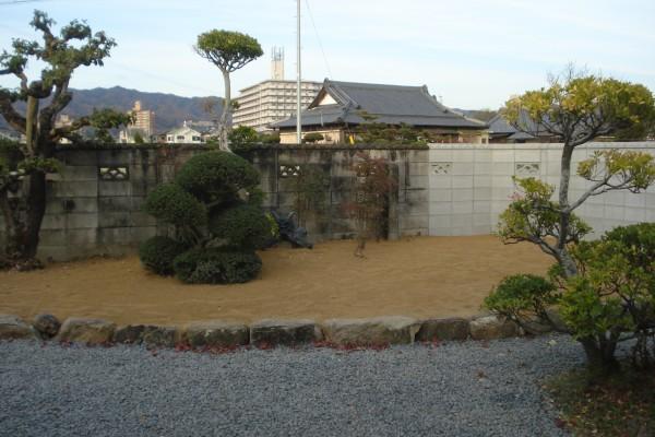 新築のため潰してしまった裏庭の改修 1
