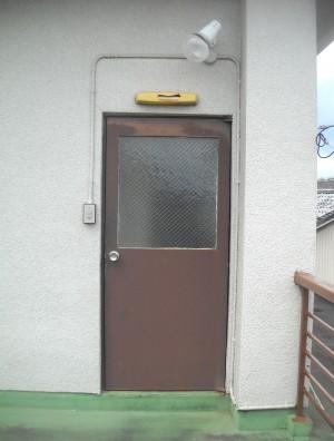 勝手口ドア交換 LIXIL 彩風ドア リシェントA型 和歌山市2