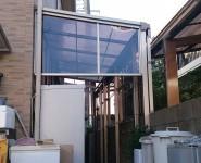 既設のテラスにサイドパネルを設置 和歌山市
